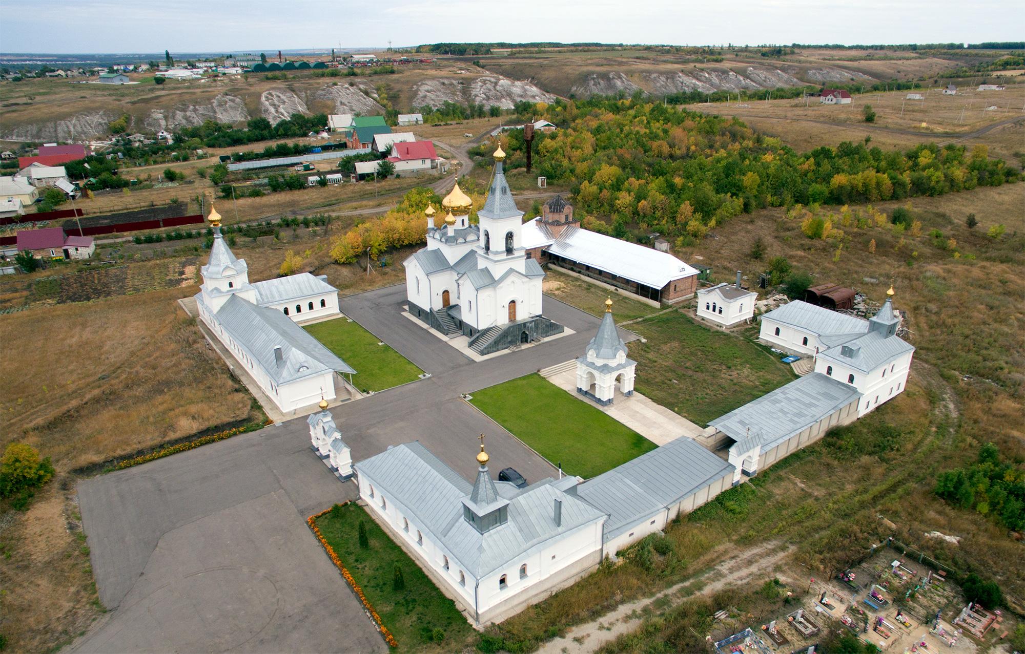Аэрофотосъемка Церковь Троицы Живоначальной, Залужное
